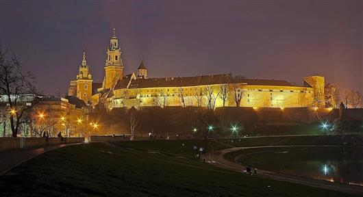 Wawel Castle at night
